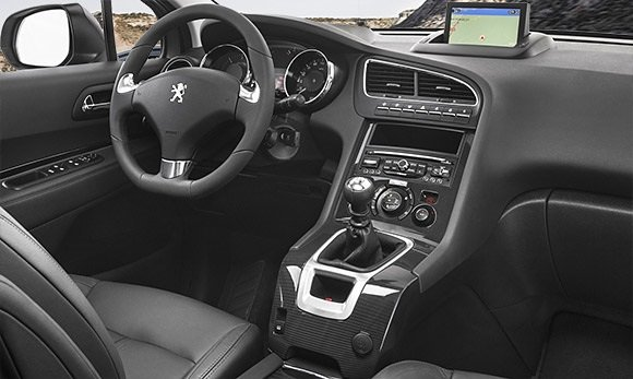 2016 Peugeot 5008 (5+2)